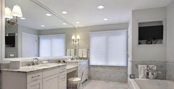 Đèn chiếu sáng cho phòng tắm ốp trần
