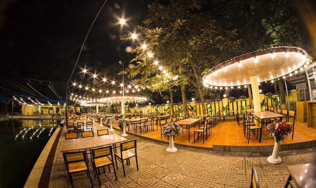đèn led trang trí quán cafe sân vườn ngoài trời