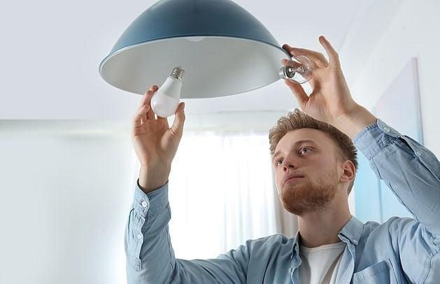 Cách lắp đặt bóng đèn led bulb Rạng Đông dễ dàng nhất